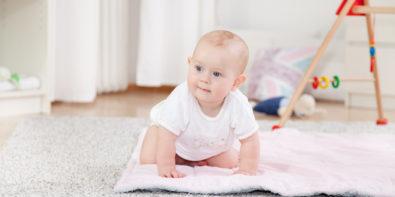 when babies start to crawl